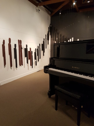 Christmas music in the gallery